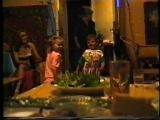Олежка и Настя танцуют, а маленькая девочка в сарофанчике черном - Алена. мне почти 4 годика))